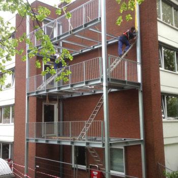 Balkonturm mit drei Ebenen