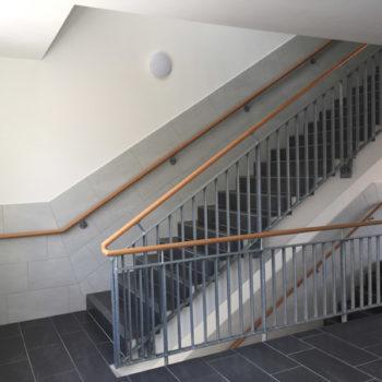 Treppengeländer mit Holz-Handlauf