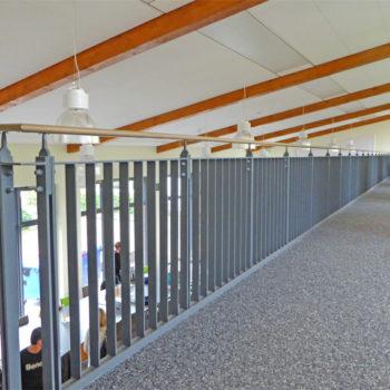 Innentreppe mit Geländer
