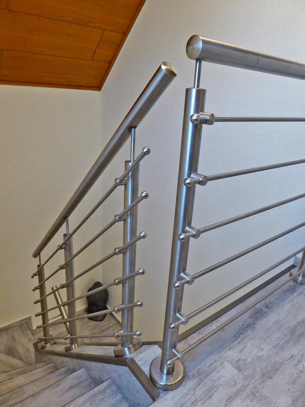 handlauf und treppengel nder aus edelstahl herdie stahl und edelstahltechnik bad fallingbostel. Black Bedroom Furniture Sets. Home Design Ideas